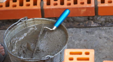 Cement-gravel mortar for wall filter