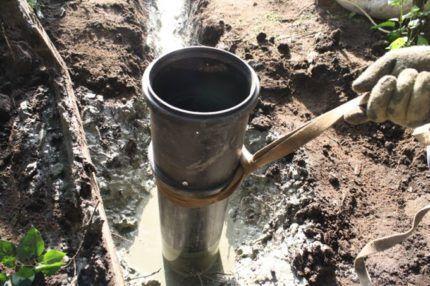 Обсадная труба из металла
