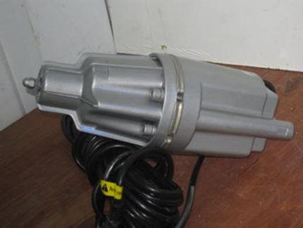 Погружной насос с электрокабелем