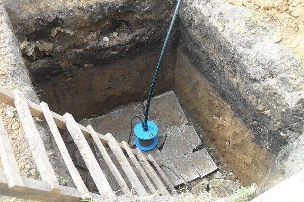 Как опустить насос в скважину