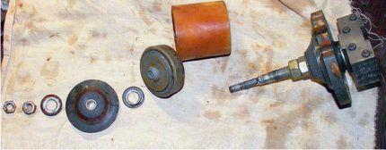 Проведение ремонта вибрационного насаса Малыш