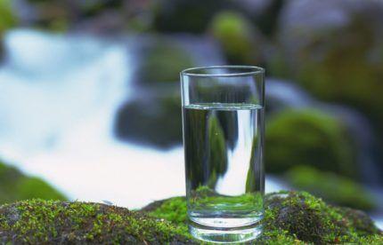 Чистая скважинная вода
