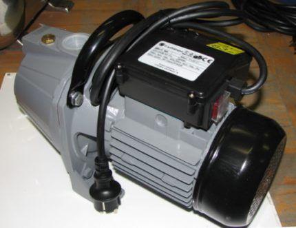 Pump with UZN