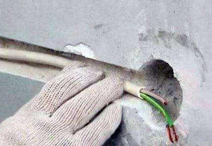 Штробы под монтаж кабелей