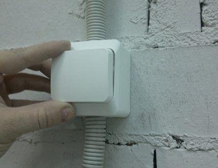 Тестирование накладного выключателя