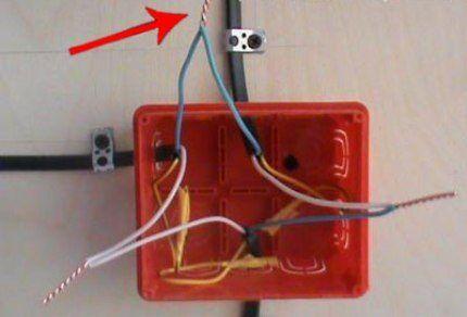 Соединение проводов в распределителе