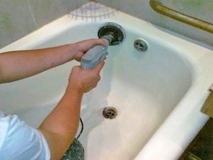 Абразивная обработка ванны