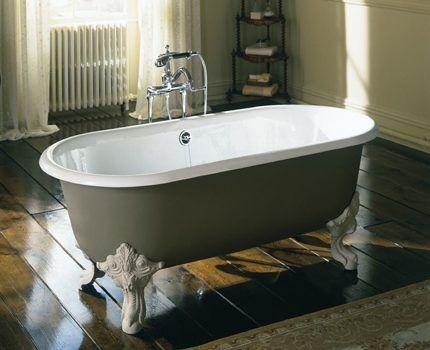Чугунная ванна в ретро стиле