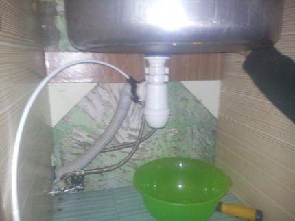 Подключение системы обратного осмоса к канализации