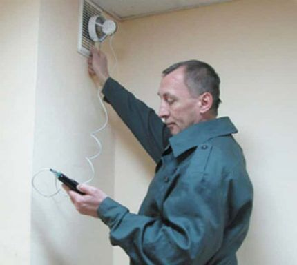Проверка работы вентиляции анемометром