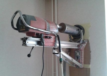 Аппарат колонкового бурения