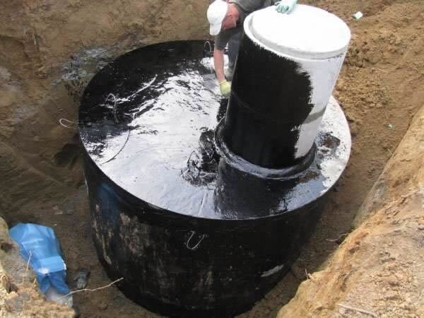 Как сделать герметичными бетонные кольца