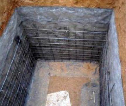 Гидроизоляция сливной ямы