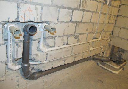 Монтаж труб канализации для установки сантехники