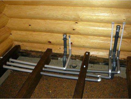 Прокладка труб внутренней канализации