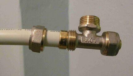 Металлопластиковая труба для монтажа сантехники