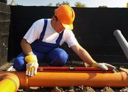 Уклон труб бытовой и промышленной канализации