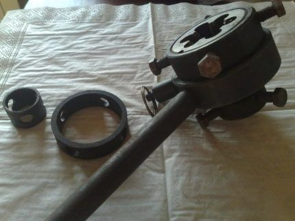 Клупп для трубной резьбы на трещотке