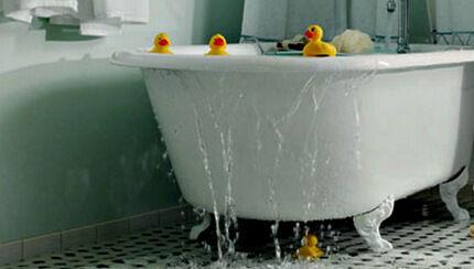 Перелив в ванной
