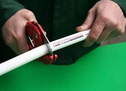 Инструкция резки пластиковых труб ножницами