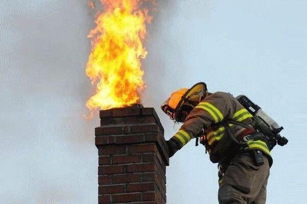 устанавливаем дымоход для буржуйки на даче