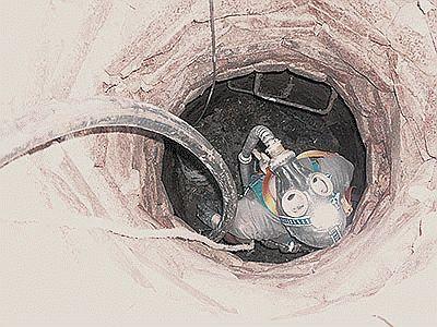 Чистка канализационного резервуара