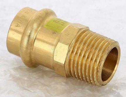 Образец бронзового пресс-фитинга для медных труб