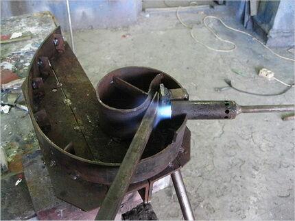 Горячая гибка трубы
