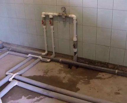 Разводка труб для подачи воды