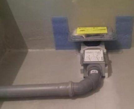 Подключение устройства к канализации