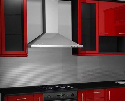 Above the gas stove must install exhaust