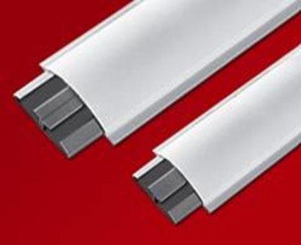 Плинтусные кабель-каналы с резиновыми уплотнителями
