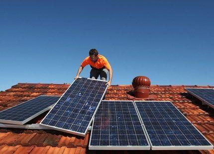 Установка солнечного генератора на крышу