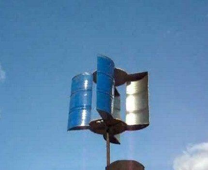 Широколопастной ветрогенератор на крыше