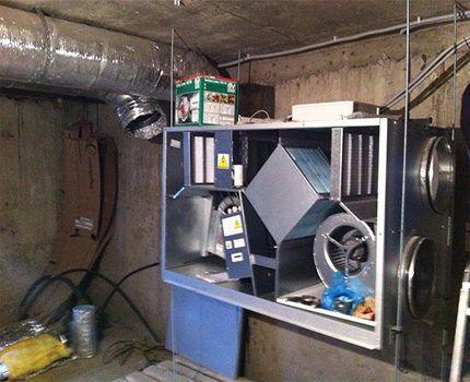 Размещение вентиляционного блока в подвале