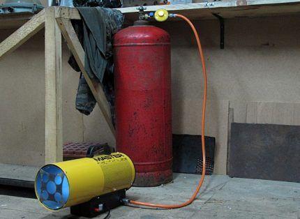 Газовая пушка с подключением к баллону