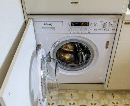 Встроенная стиральная машина в интерьере