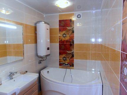 Электробойлер в интерьере ванной