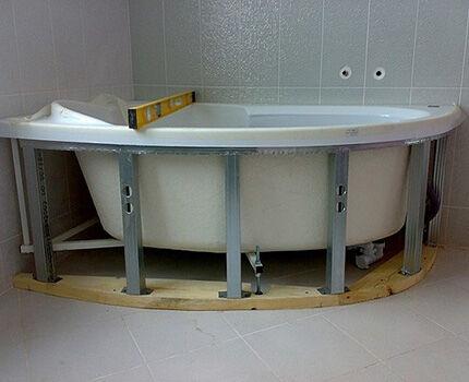 The frame under the semicircular bath