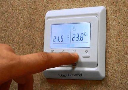 Монтаж терморегулятора на стене