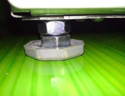 Нога стиральной машины