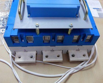 Selective 3-pole switch