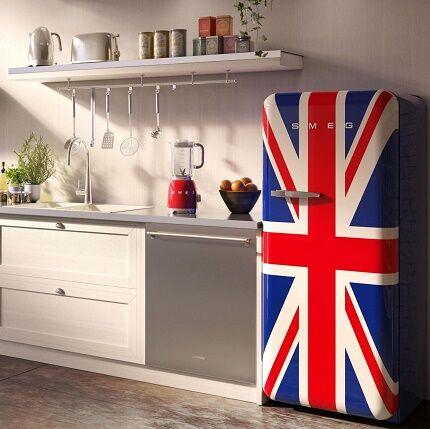 Холодильник с государственной символикой