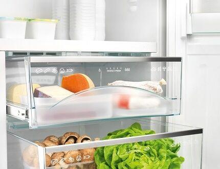 Продукты в холодильнике Бош