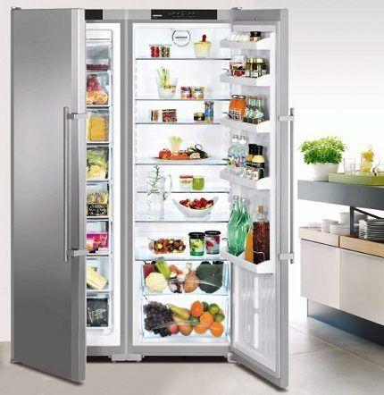 Холодильник Liebherr SBS 7212 на кухне