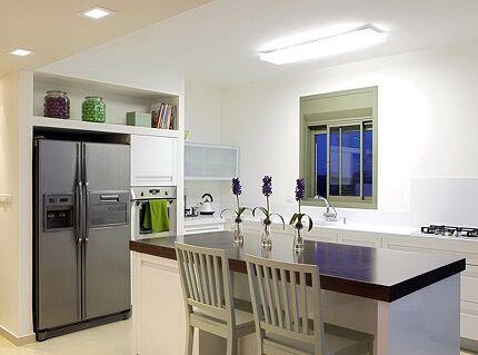 Установка холодильника Беко в нишу