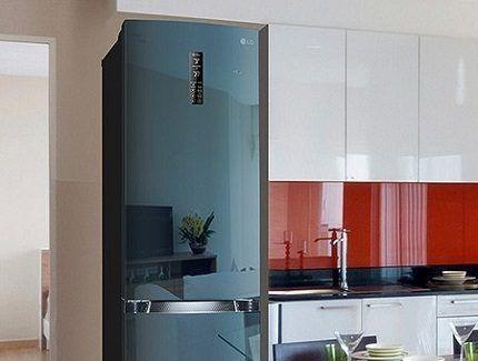 Холодильники с нижней морозильной камерой