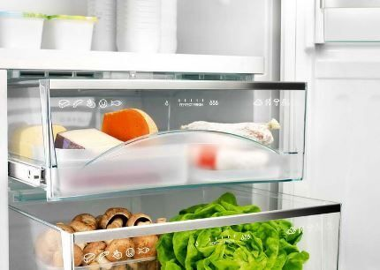 Выдвижные ящики в холодильнике Беко