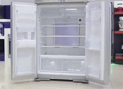 Холодильник с верхней морозилкой
