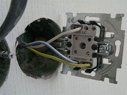 Монтаж проходного выключателя